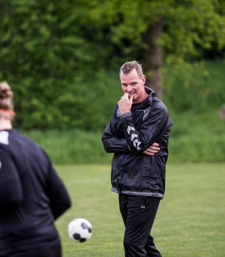 Succescoach Wijnbergen blijft nog jaar bij Witkampers en krijgt steun van Klein Braskamp