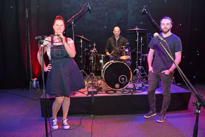 Karin Leijs, Michel Cornet en Ruben Willemsen (rechts) willen samen met alle andere vrijwilligers Podium De Pit professionaliseren.