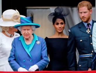 Britse hof sluit de rangen: Queen steunt Harry en Meghan en last overgangsperiode in