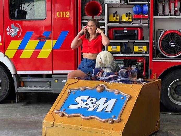 Samson en Marie bij de Wetterse brandweer.