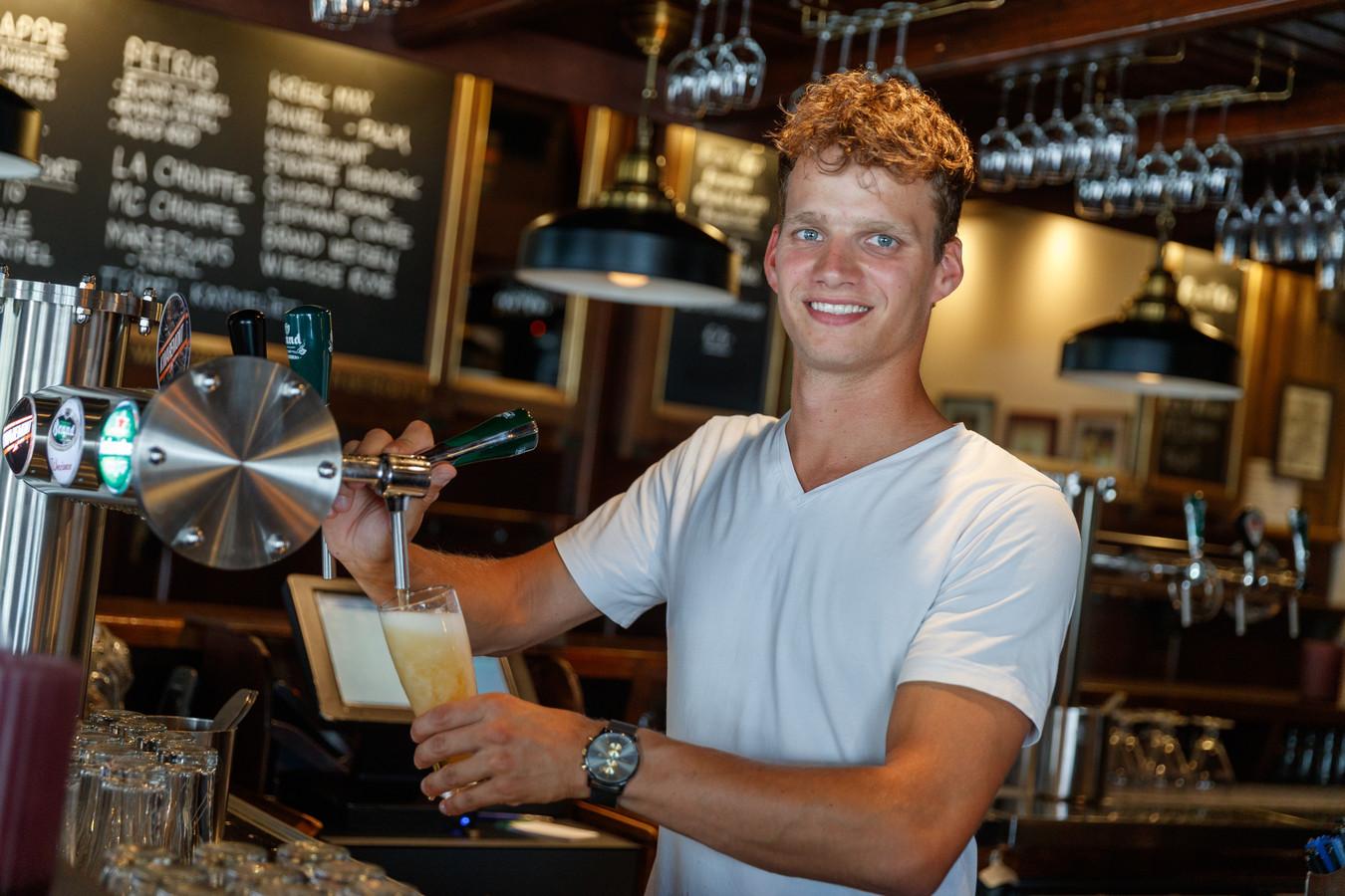 Eerst nog de verbouwing, maar vanaf 15 juni tapt Mike Roovers weer de biertjes in zijn Zevenbergse café Proost aan de Noordhaven.