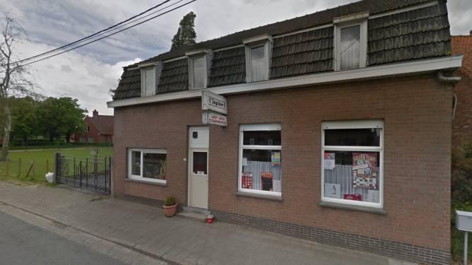 Politie sluit voor tweede keer café met tiental klanten in Hooglede