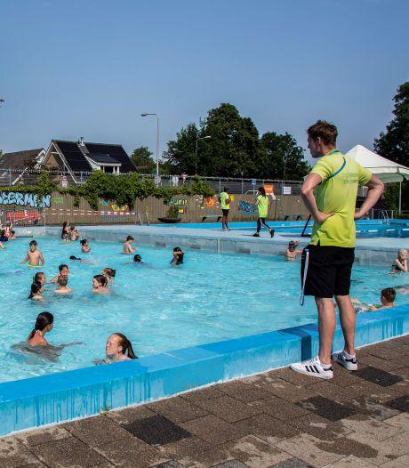 Poepende kinderen, schijtende ganzen en blauwalg, maar er zijn slechts twee buitenzwembaden in de regio