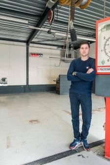 Coronacrisis velt garage van Jeroen uit Almelo: 'Overal las ik dat het meeviel in de autobranche, maar daar merkte ik niets van'