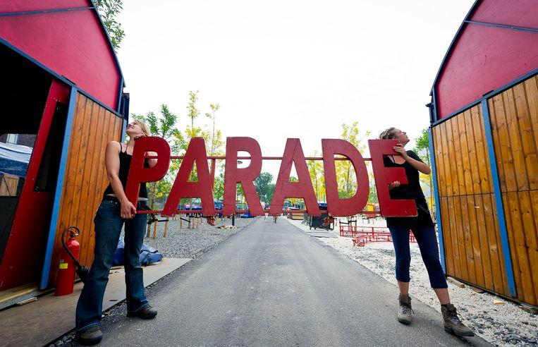 Door corona werd het populaire rondreizende theaterfestival De Parade vorig jaar al veel kleinschaliger georganiseerd. Dit jaar zijn er naar verwachting opnieuw beperkingen, maar de organisatie hoopt toch een zo volwaardig mogelijk festival te kunnen brengen. Beeld ANP