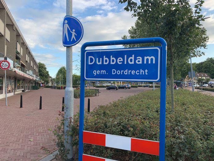 Het bord stond tot afgelopen weekend bij het Damplein, maar is daar verdwenen