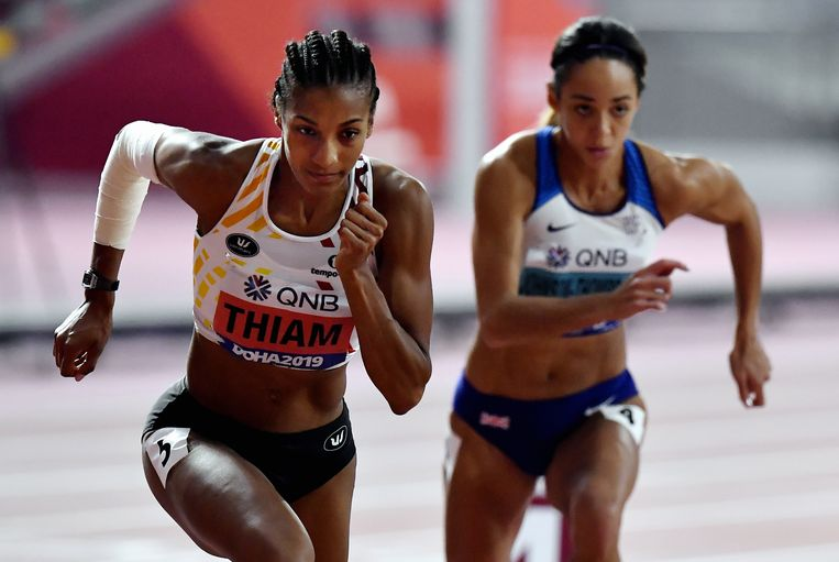 Nafi Thiam sprint tegen de Britse Katarina Johnson-Thompson. Beeld BELGA
