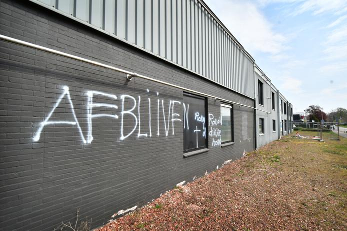 In april van dit jaar werd het pand van Olympic Gym in Hengelo beklad. Met grote letters werd er geschreven: 'Afblijven'.