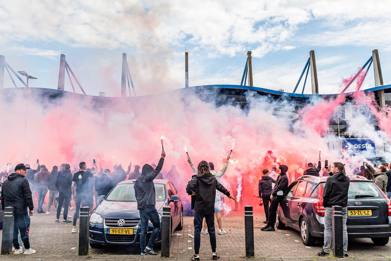 Willem II-selectie uitgezwaaid