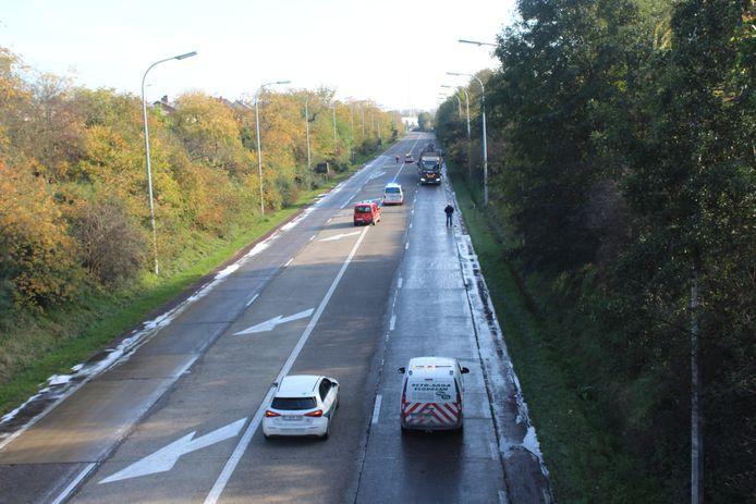 Het uitzonderlijk transport werd na het ongeval weggeleid.