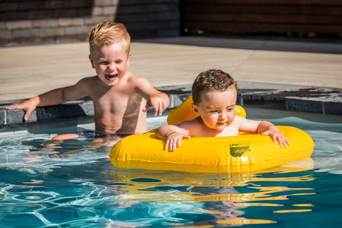 Klaar met zwemmen? Ruim dan meteen de opblaaskrokodil en het andere speelgoed op. Zo verklein je de kans dat je kinderen opnieuw het water in willen.