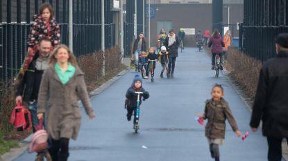 Naar school stappen of fietsen verkleint risico op overgewicht