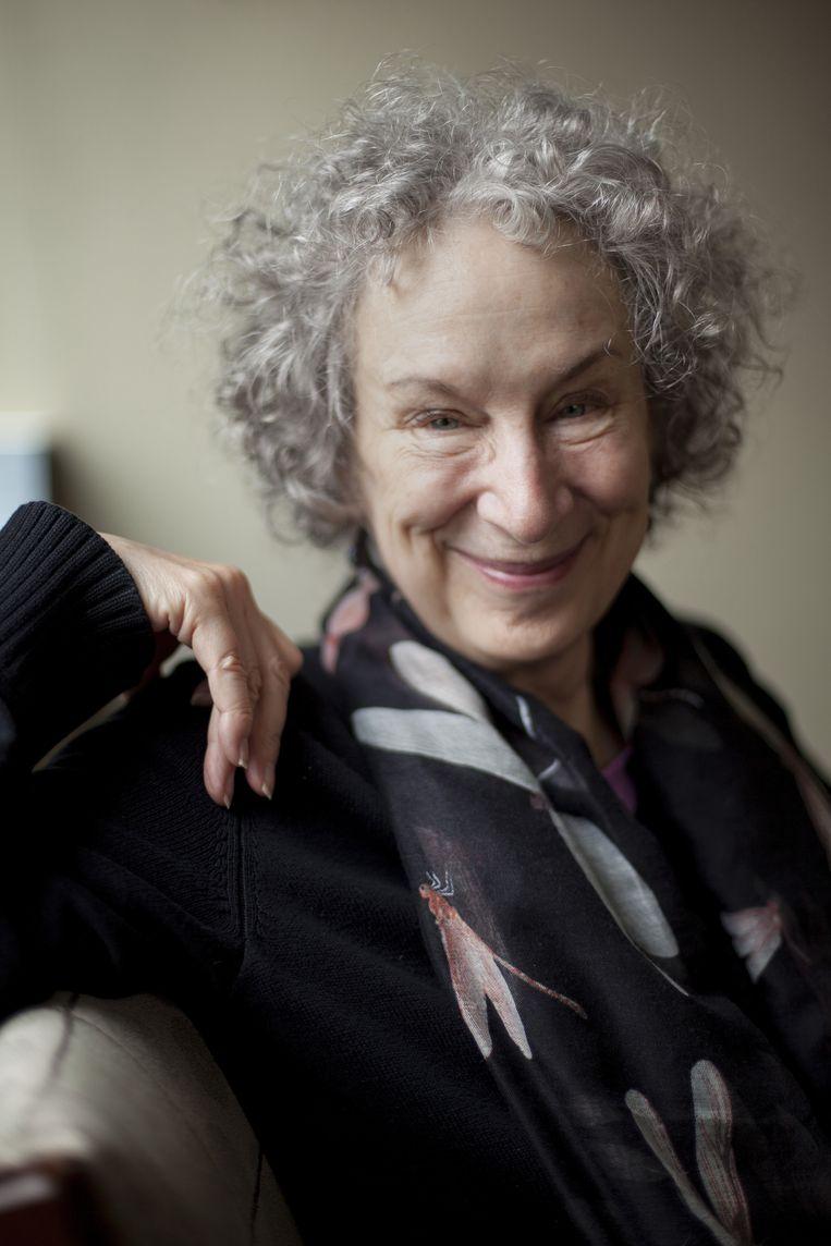 Margaret Atwood in 2015. De schrijfster van 'The Handmaid's Tale' werd vorig jaar door magazine 'The New Yorker' uitgroepen tot 'profeet van dystopia'.  Beeld BELGAIMAGE