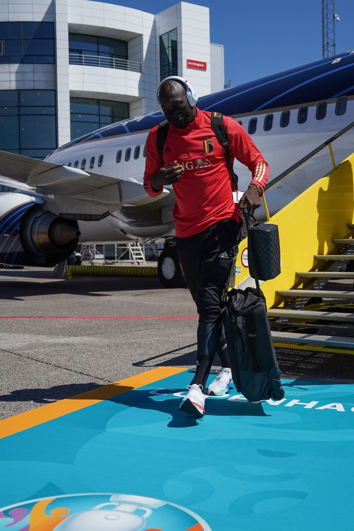 Romelu Lukaku komt aan in Kopenhagen.