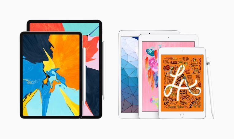 Volledige iPad-lijn van links naar rechts: iPad Pro (beide formaten), iPad Air, iPad en iPad mini.