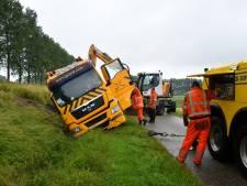 Vrachtwagen gekanteld bij Sluiskil