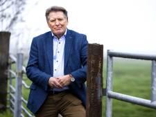 Oud-burgemeester Sjaak van der Tak treedt op als dominee