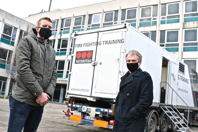 Directeurs Pieter Louagie en Joerie Manhout stellen de nieuwe opleidingen voor.