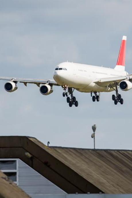 Landing Airbus op Twente Airport trekt veel bekijks