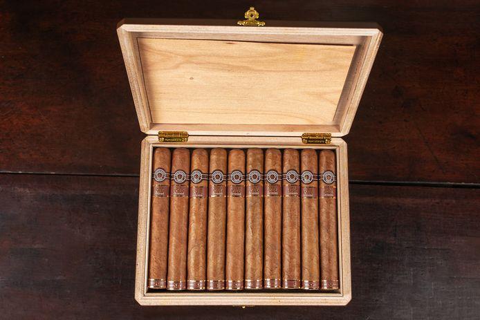 Sigaren in een kistje.