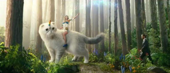 Taylor Swift gaat voluit in reclamespotje.