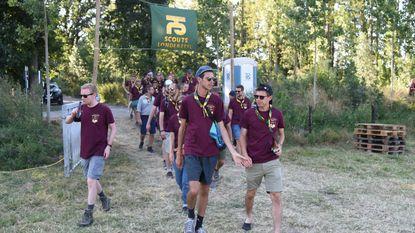 Oud-scoutsleden doen kamp uit 1943 nog eens over