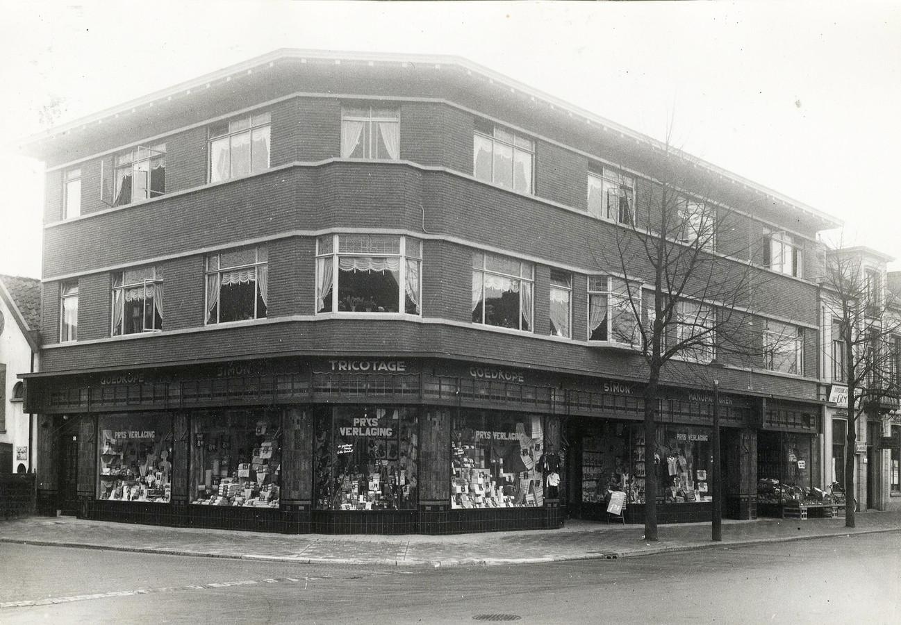 De Goedkoope Simon, feestelijk geopend in 1936. CODA Archief Apeldoorn