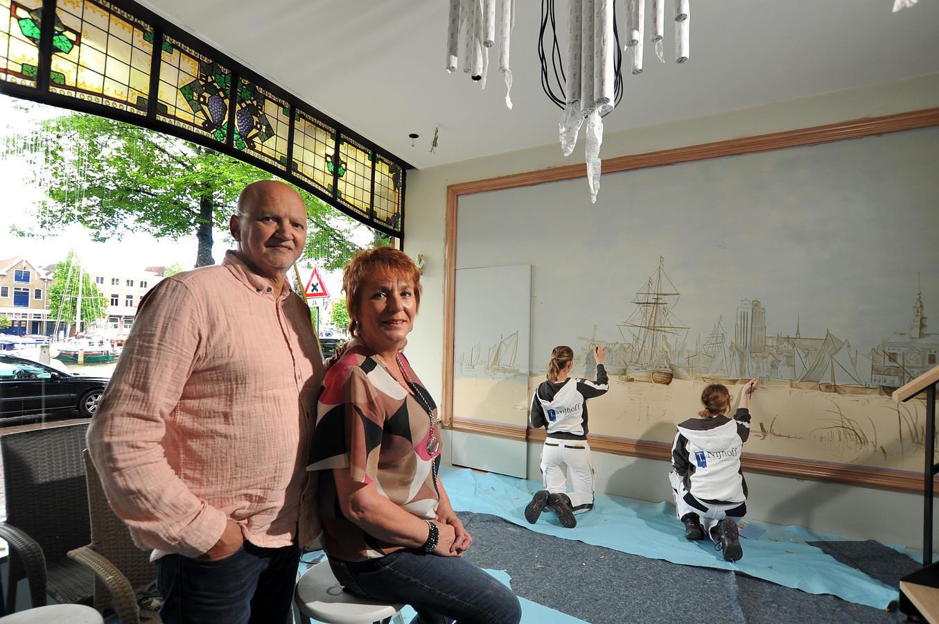 Rob en Yvonne van Wingerden openden een B&B in het geboortehuis van Aelbert Cuyp.