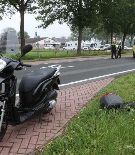 Motorrijder botst achterop auto in Schijndel