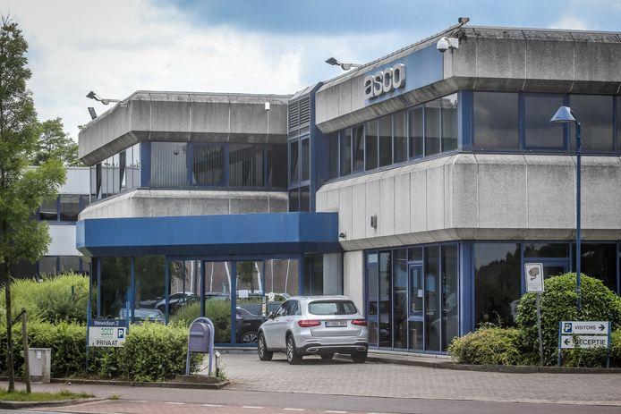 Bij Asco in Zaventem heeft het merendeel van het personeel het werk hervat na de cyberaanval. De vliegtuigonderdelenproducent zoekt nu wel 100 tijdelijke werkkrachten om de opgelopen achterstand weg te werken.