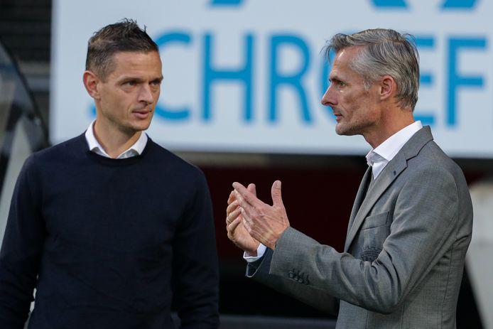 Go Ahead Eagles-trainer Kees van Wonderen bij zijn terugkeer in De Goffert, vlak voor het duel met NEC-coach Rogier Meijer.