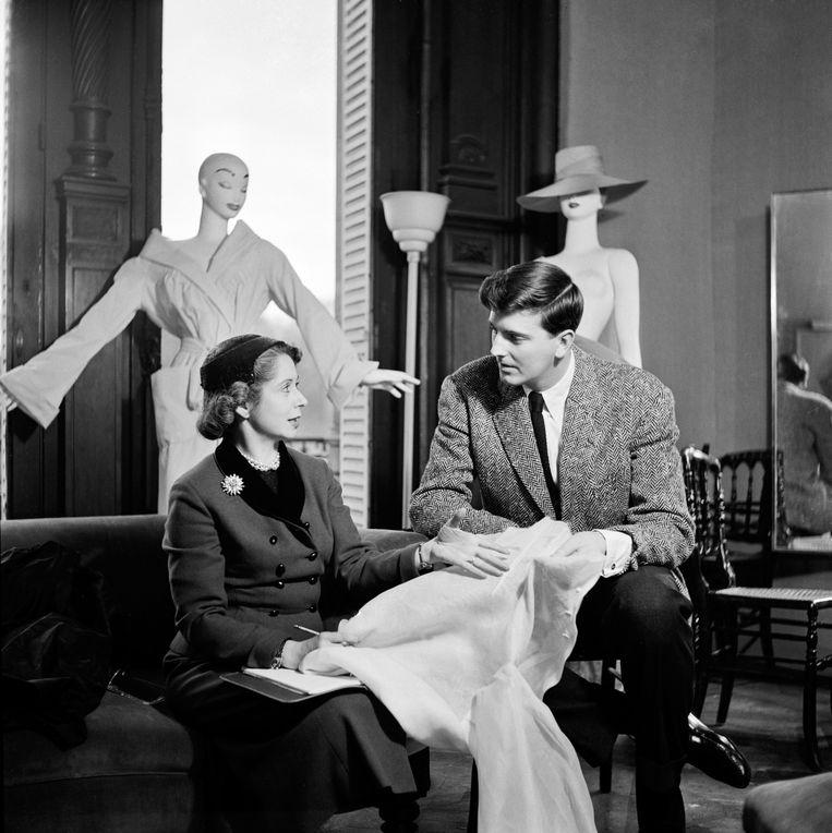 Hubert de Givenchy in de jaren 50. Beeld Photo News