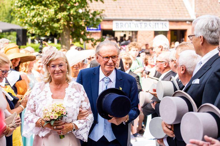 Marie-Jeanne Huysman en Willy Naessens op hun huwelijk.