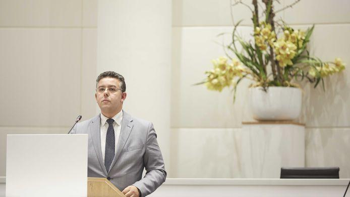 D66-raadslid Rachid Guernaoui ligt overhoop met de partijtop. Guernaoui beraamt een wethouderscoup.