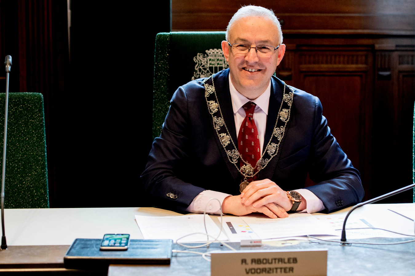 Burgemeester Ahmed Aboutaleb tijdens de installatie van de Rotterdamse gemeenteraad.