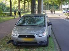 Jonge fietsster ernstig gewond door botsing met auto in Wijchen, traumahelikopter landt