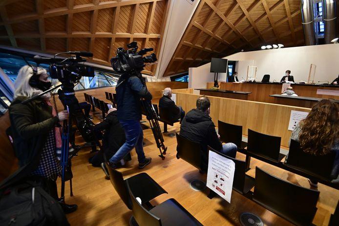 Archiefbeeld: 4 zaken van 'lockdownfeestjes' kwamen vandaag voor de Antwerpse politierechtbank. In 1 van de cases ging het om maar liefst 18 aanwezigen die bijna allemaal wel iets interessants te vertellen hadden.