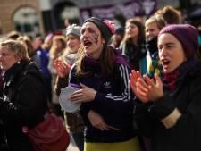 """Des milliers de femmes à Bruxelles: """"Toutes unies, nous transformons la peur en force"""""""