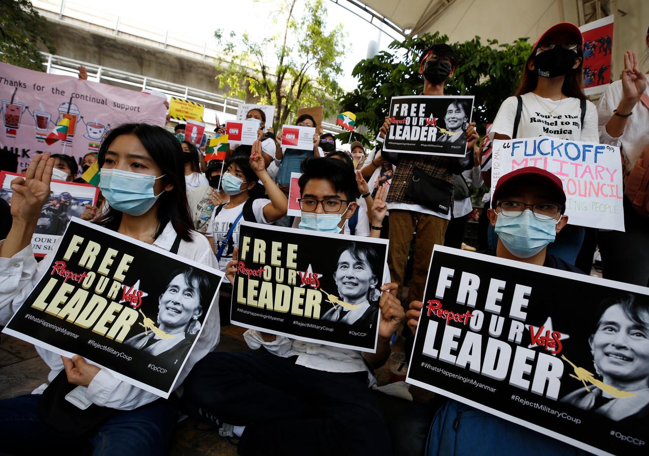 Protesten in Thailand door van oorsprong Myanmarese inwoners.