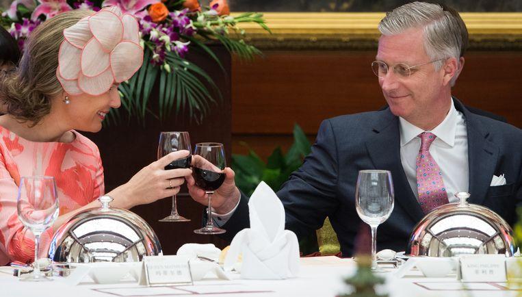 Koningin Mathilde en koning Filip kunnen toosten op een staatsbezoek dat veel Chinese goodwill genereerde. Beeld BELGA
