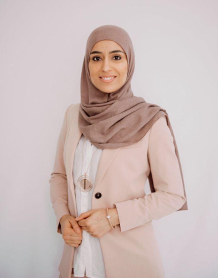 Initiatiefneemster van de crowdfundingsactie, Asma Halusi.