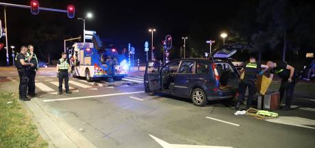 Arrestatieteam rijdt man klem op Houtrustweg