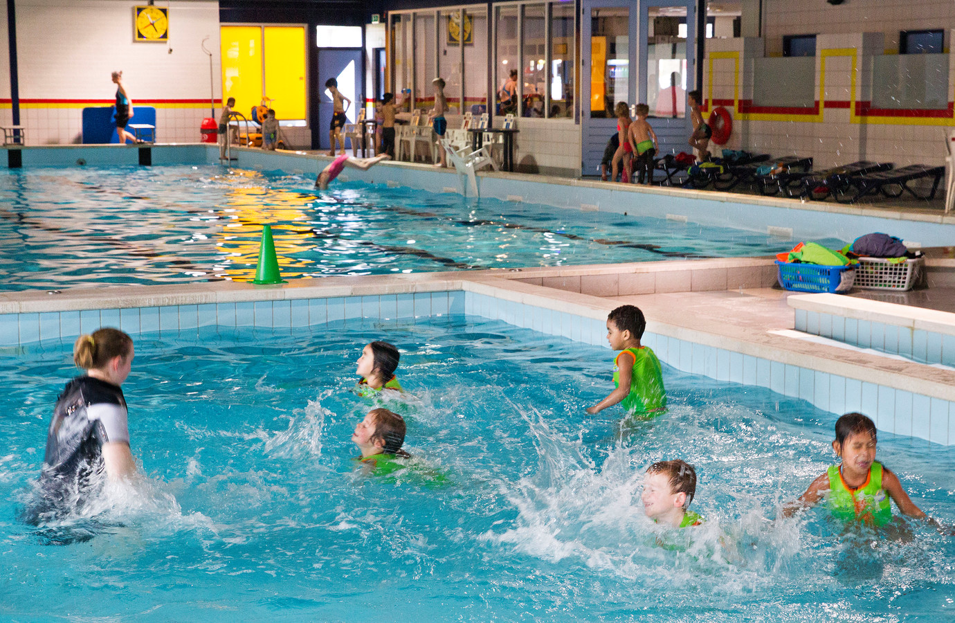 Zwemles in De Smelen in Geldrop. Een archieffoto uit 2017.