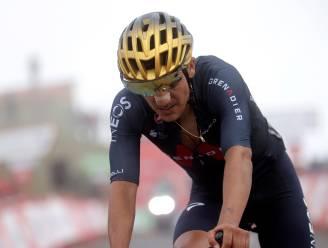 """Olympisch kampioen Carapaz geeft op in Vuelta: """"Had te veel last van hitte, ik ben helemaal leeg"""""""