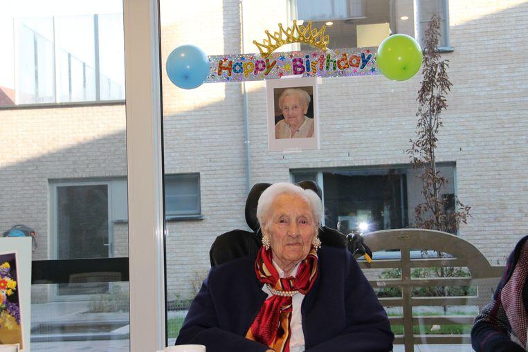 Margriet Naessens mocht liefst 105 kaarsjes uitblazen en is daarmee de oudste inwoner van Ingelmunster.