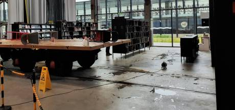 Regenval zorgt opnieuw voor lekkage in de LocHal in Tilburg