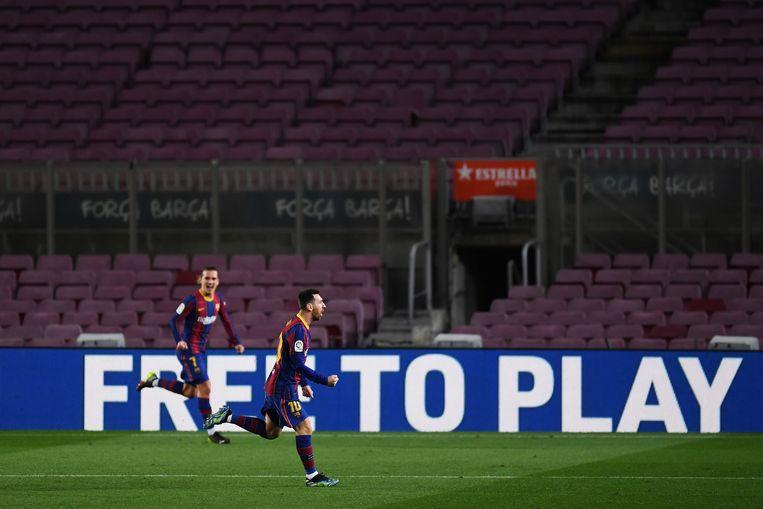 Afgelopen week werd bekend dat Lionel Messi bij FCBarcelona in vier jaar pakweg 555 miljoen euro verdient. Beeld Getty