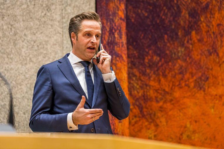 Demissionair minister Hugo de Jonge in de Tweede Kamer voorafgaand aan een debat over de ontwikkelingen rondom het coronavirus.  Beeld ANP