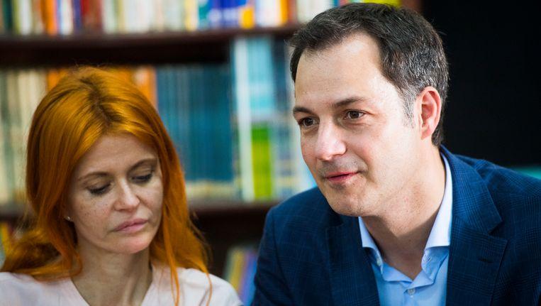 Axelle Red en minister van Ontwikkelingssamenwerking Alexander De Croo (Open Vld) Beeld BELGA