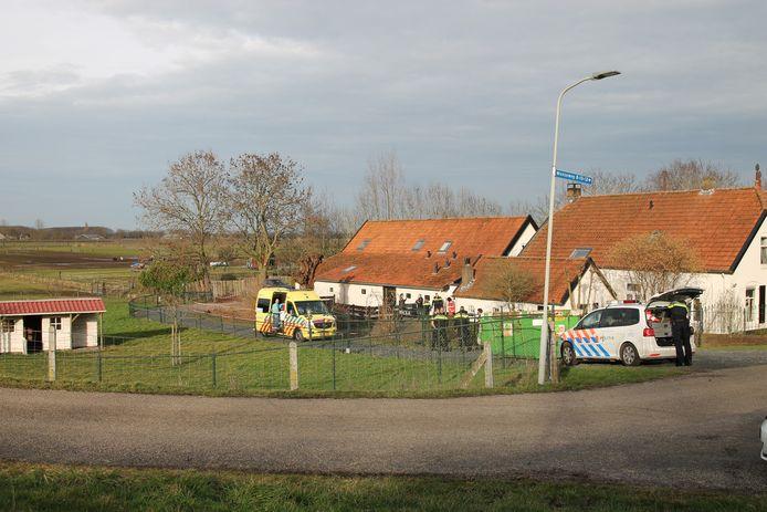 Politie en ambulance in Appeltern.